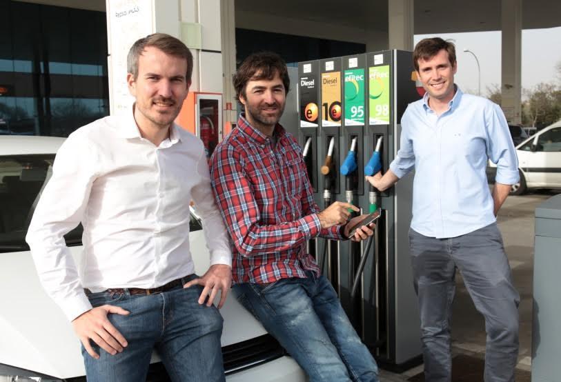 Emprendedores madrileños crean una app para repostar y pagar la gasolina sin bajar del coche