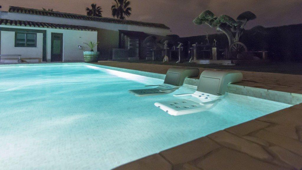 José y Domingo Torregrosa crean el primer sillón de hidromasaje portátil para piscinas