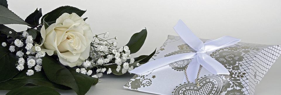 ¿Quieres emprender con un negocio de éxito? Crea una empresa de regalos para bodas