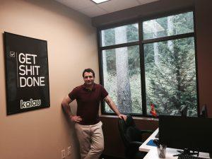 Entrevistamos al emprendedor Danny Mola, fundador de la plataforma de marketing digital Kolau