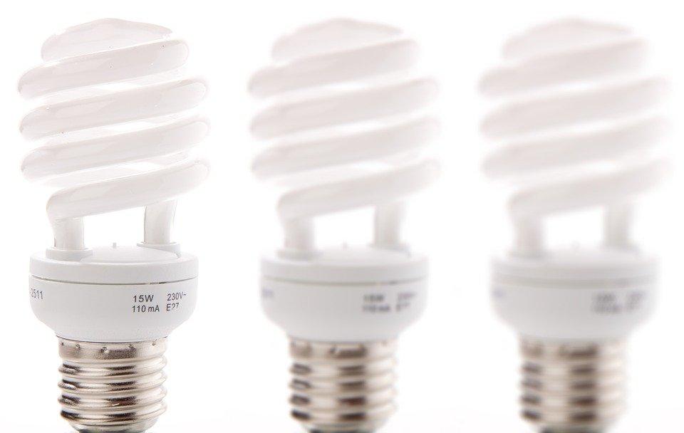 Consejos a seguir para ahorrar en la factura de la luz