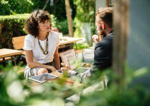 Cuatro personas con las que deberías hablar antes de lanzar tu negocio