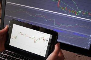 ¿Qué es y cómo funciona el trading?
