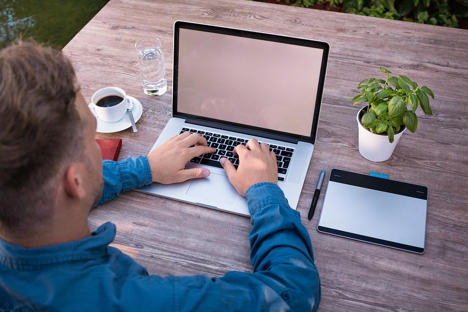 4 maneras de interesar a los adolescentes en el emprendimiento