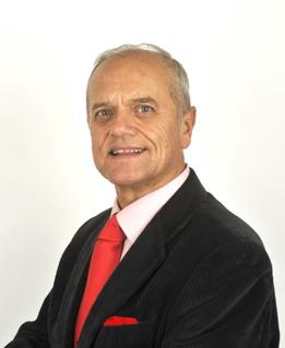 El consultor inmobiliario Eduardo Molet recibe la Medalla de Oro al Mérito en el Trabajo