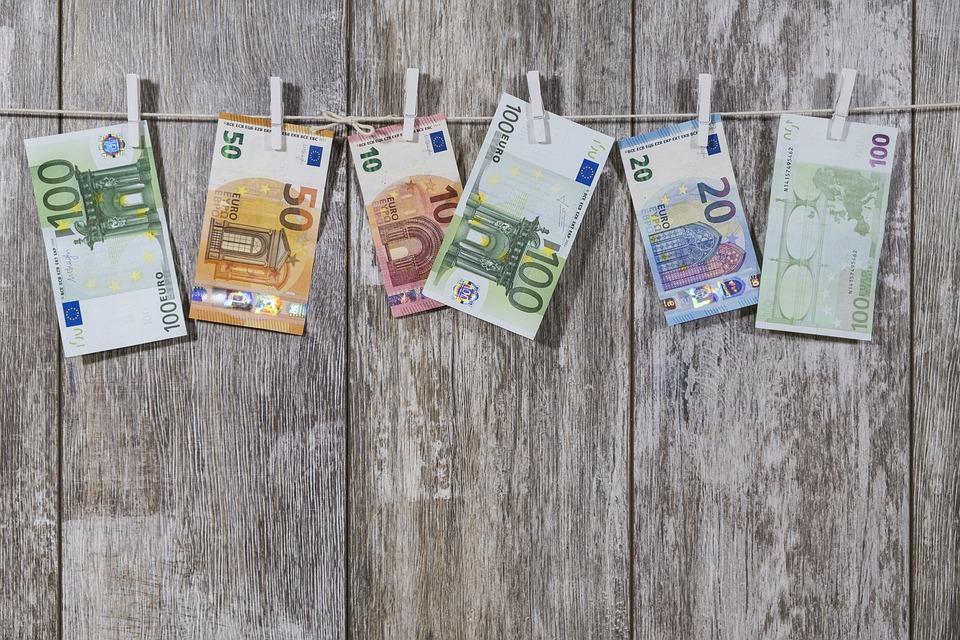 Qué es un detector de billetes falsos
