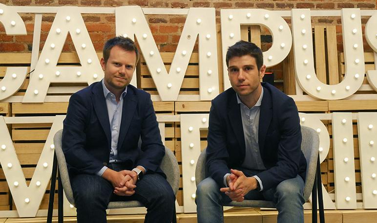 Entrevista a Carlos González y Carlos Gil, fundadores de la web para organizar cumpleaños aeioyou