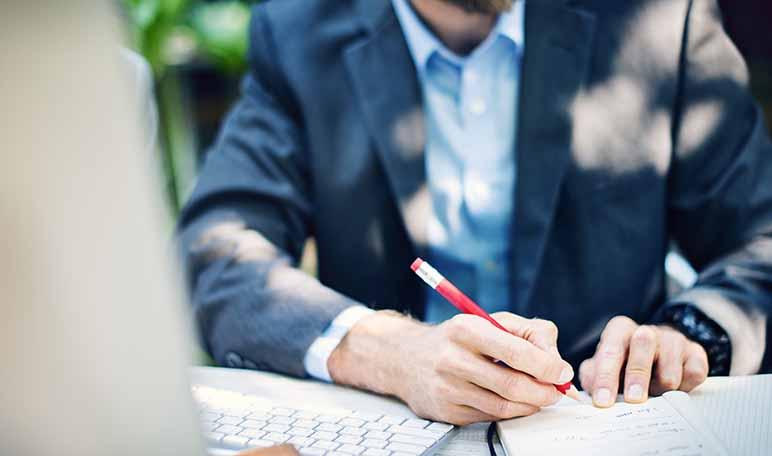 5 consejos que te ayudarán a tomar buenas decisiones si eres emprendedor - Diario de Emprendedores