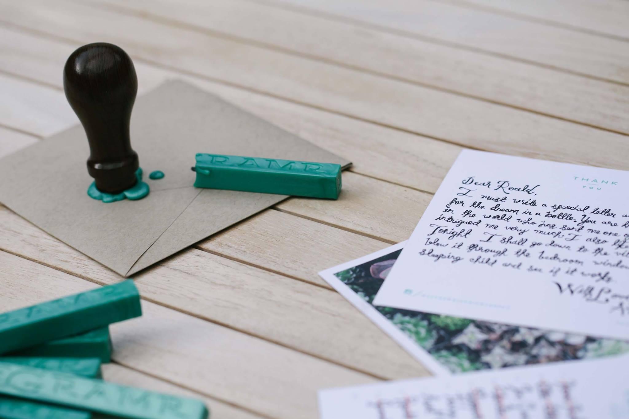 Inspírate con Gramr, un proyecto que recupera el envío de cartas de papel