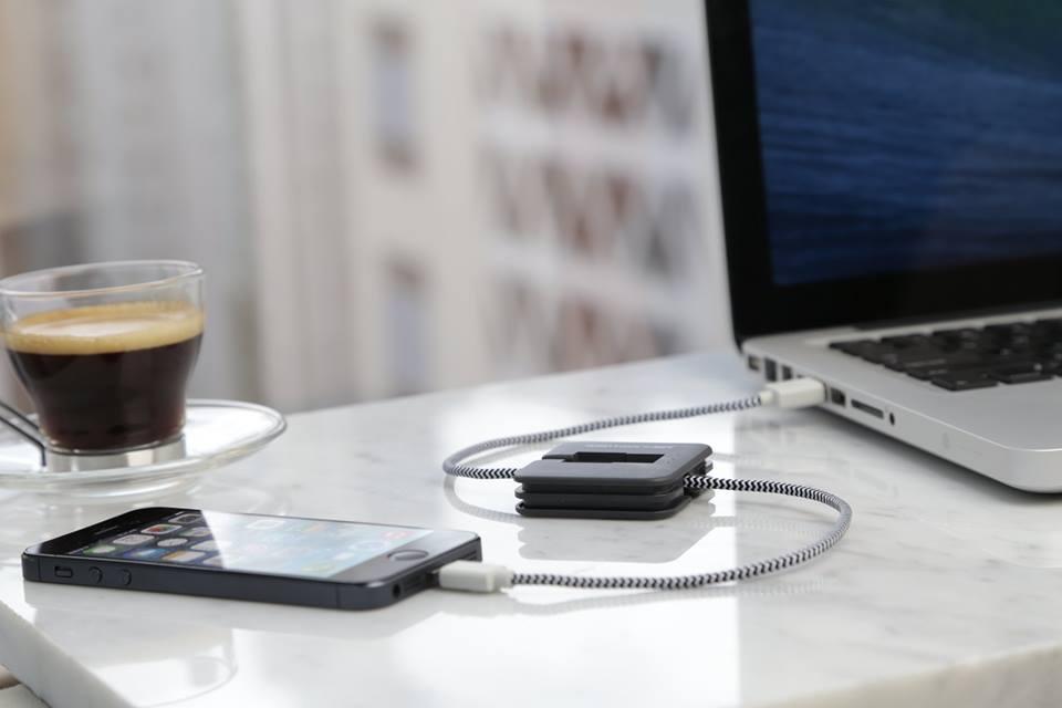 Tráete Jump Cable, un cargador del móvil para los más olvidadizos