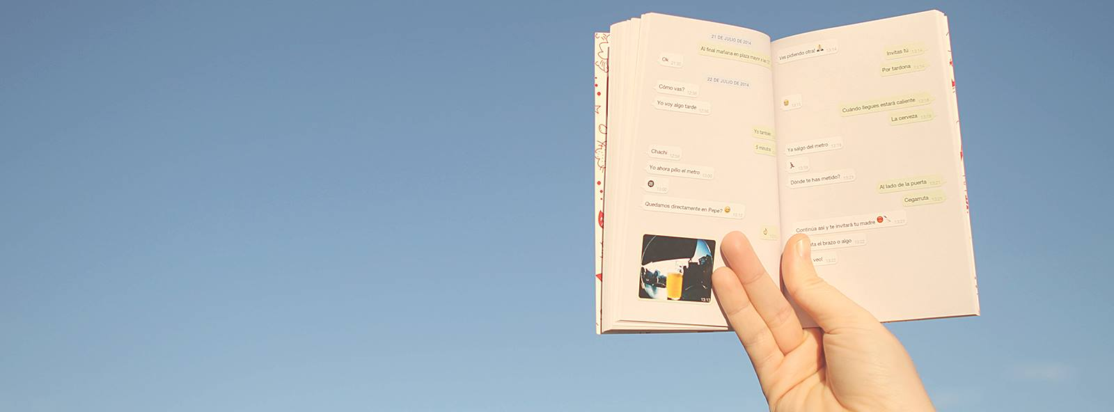 El emprendedor Pau Moreno crea Tiny books, que convierte las conversaciones de WhatsApp en un libro