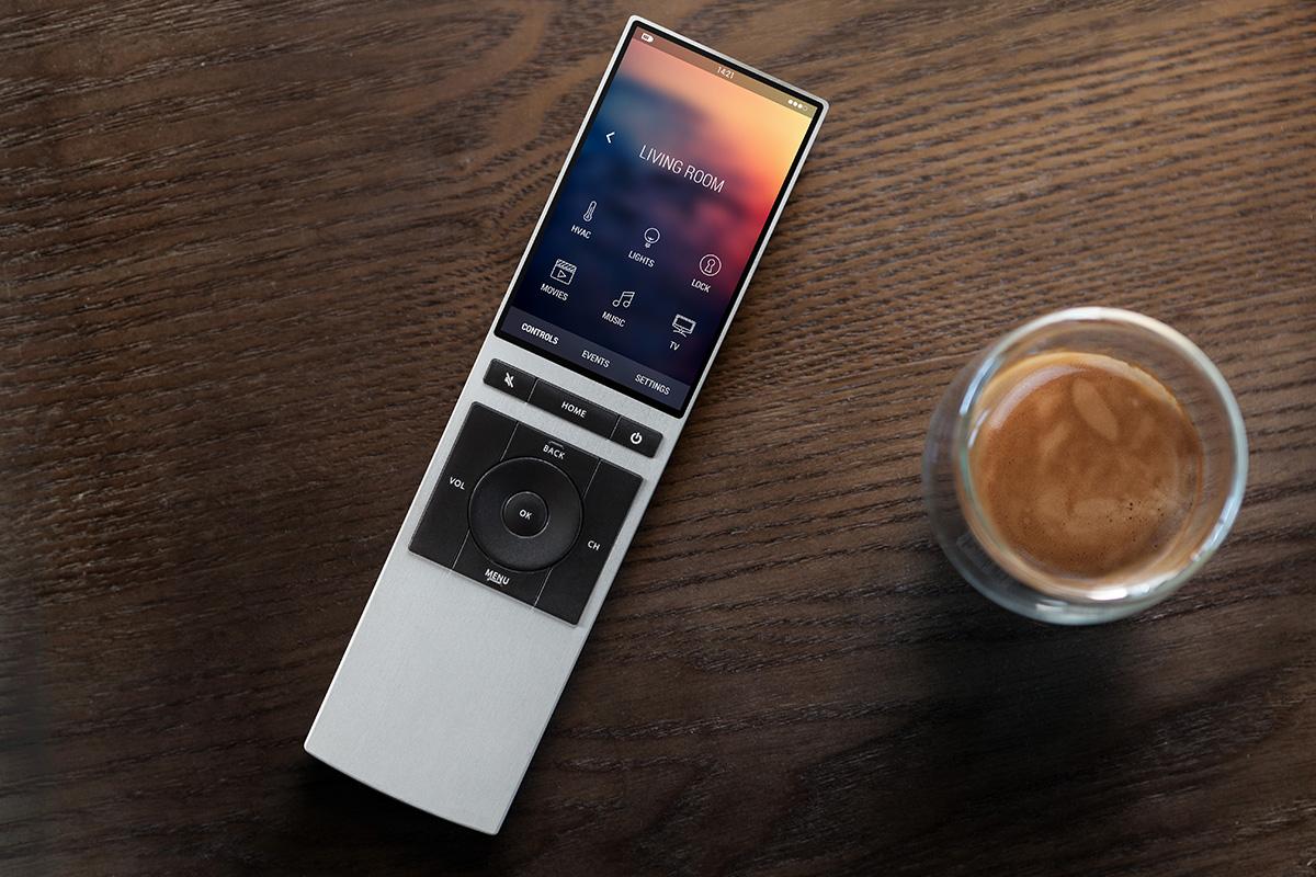 Crea un producto revolucionario como NEEO, un mando a distancia que reconoce las manos