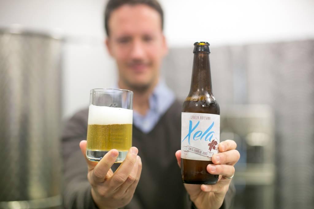 Los emprendedores Ana Triana y Miguel Moncayo crean la primera cerveza artesana hecha con vino de Jerez