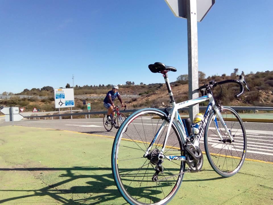 Los emprendedores Enrique Moreno y Pedro Gallardo crean una bicicleta exclusiva