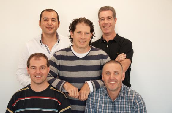 Entrevistamos a los emprendedores Michael William Pérez y Luís Vaamonde, inventores de MICATON