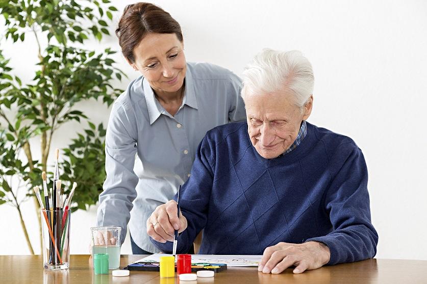 Cuideo, una exitosa startup que ofrece cuidados a personas dependientes por horas