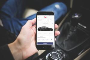 Emprendedores crean bipi, una app para alquilar un vehículo en tres clics