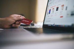 ¿Cuánto gastan los españoles en las compras on-line?