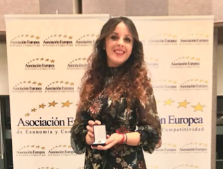 La primera influencer hunter española recibe la Medalla de Oro al Mérito en el Trabajo