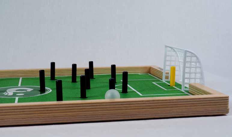 Plakks, un juego de fútbol que fomenta la interacción cara a cara y busca financiación - Diario de Emprendedores