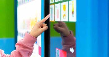 Dos emprendedoras diseñan una máquina expendedora de comida saludable - Diario de Emprendedores