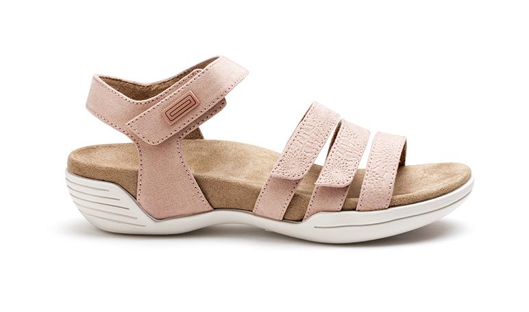 La colección FreshTech de Suecos apuesta por sandalias con suela antideslizante - Diario de Emprendedores