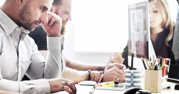 ¿Trabajas en una oficina? Sigue estos consejos para luchar contra el sedentarismo - Diario de Emprendedores