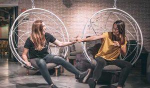 Entrevistamos a las emprendedoras María Luke y Xandra Etxabe, fundadoras de la startup Fixme - Diario de Emprendedores
