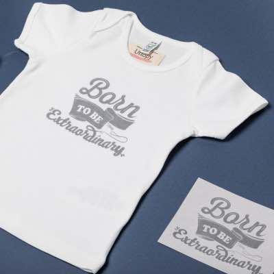 """Uttopy crea la colección """"Born to Be Extraordinary"""" para ayudar a los niños prematuros - Diario de Emprendedores"""