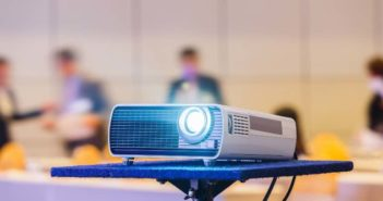Cómo utilizar los proyectores para impresionar a tus clientes - Diario de Emprendedores