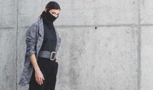 Una diseñadora aragonesa crea la primera colección de camisetas portamascarillas - Diario de Emprendedores