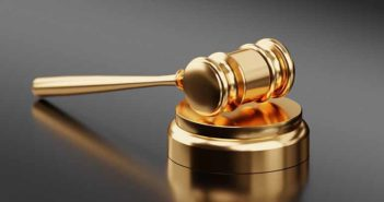 Aspectos a tener en cuenta al contratar a un abogado experto en desahucios - Diario de Emprendedores